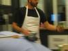 kok-jesper-krabbe-forbereder-oesters_450x600